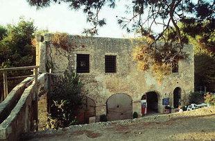 Das Artilleriemagazin und die Ablaufrinne zu einer Zisterne, Fortezza, Rethimnon