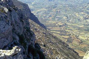 Panorama du sommet du Mont Youktas