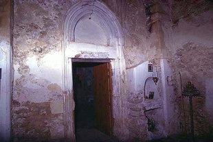Das Portal der Agios Antonios-Kirche in Aggeliana
