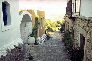 Il tradizionale villaggio cretese di Aròlithos