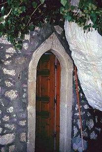 Das Portal der Agia Paraskevi-Kapelle in Christos