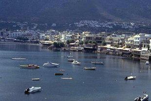 La cittadina di Limin Hersònisou ed il suo ancoraggio