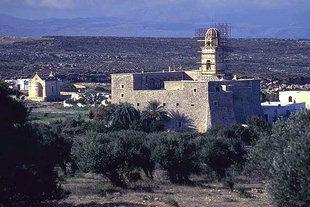 La chiesa di Timios Stavròs nei pressi di Moni Toploù