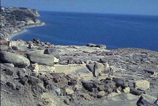 Der Hof der Villa mit Blick über das Libysche Meer, Mirtos