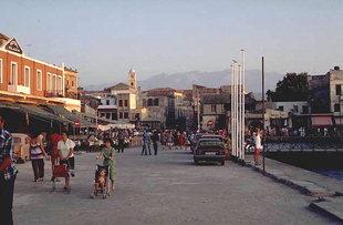 Der Sindrivani-Platz im Hafen von Chania