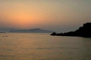 Le coucher du soleil à Matala