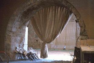Χοντροί τοίχοι στα Βενετικά Ναυπηγεία, Χανιά