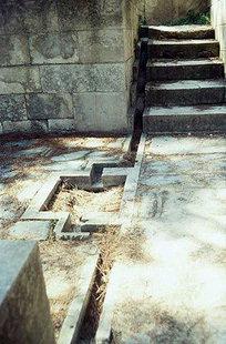 Ressua de canalisation dans le Bastion Est, Knossos