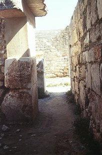 Le Passage de la Cour Centrale vers le Magasin, Knossos