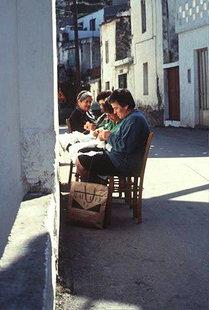 Frauen im Dorf Rodia