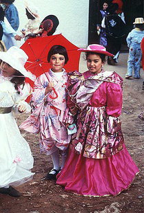 Children dressed up during Apokreas