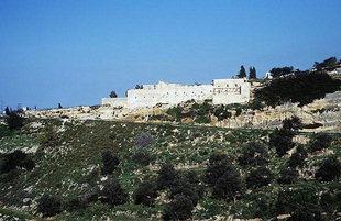 Il Monastero di Agìa Irini che domina la città di Rethimnon