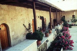 Ο κοιτώνας των μοναχών της Μονής Αγίας Ειρήνης