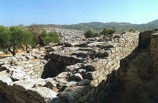 Το Μινωικό νεκροταφείο κοντά  στις Αρχάνες